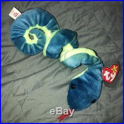 Rare Vintage 1997 Ty Beanie Baby Hissy Snake Collactable with hangtag