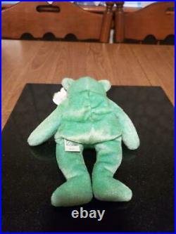 TY Beanie Baby KICKS 1999 the Soccer Bear with errors, RARE